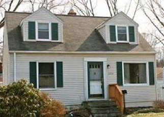 Pre Foreclosure in North Olmsted 44070 MAPLE RIDGE RD - Property ID: 1532589876
