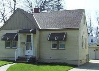 Pre Foreclosure in Berea 44017 FOURNIER ST - Property ID: 1532623592