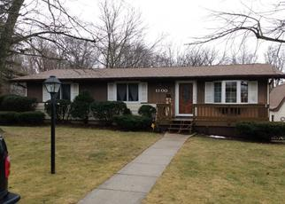 Pre Foreclosure in Lowell 46356 E WOODLAND CT - Property ID: 1532651619
