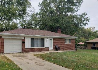 Pre Foreclosure in Cincinnati 45239 SUNNYWOODS LN - Property ID: 1532845643