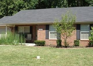 Pre Foreclosure in Jeffersonville 47130 FIELD DR - Property ID: 1532942432