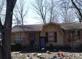Pre Foreclosure in Jeffersonville 47130 ASSEMBLY RD - Property ID: 1532946823