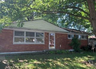 Pre Foreclosure in New Albany 47150 OXFORD DR - Property ID: 1532948116
