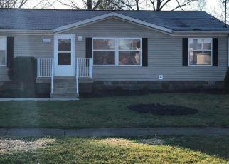 Pre Foreclosure in Louisville 40272 GALSTON BLVD - Property ID: 1532963453