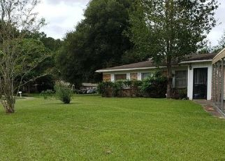 Pre Foreclosure in Jacksonville 32218 KEY CORAL DR - Property ID: 1533147404