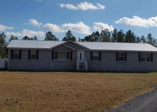 Pre Foreclosure in Bryceville 32009 KINARD RD - Property ID: 1533217484