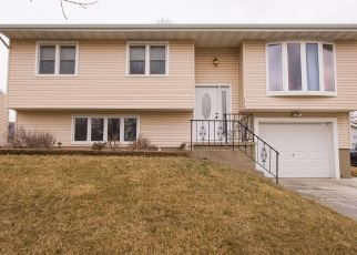 Pre Foreclosure in Waterloo 50701 ASPEN DR - Property ID: 1533226237