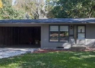 Pre Foreclosure in Cedar Rapids 52402 FAIRLANE DR NE - Property ID: 1533291949