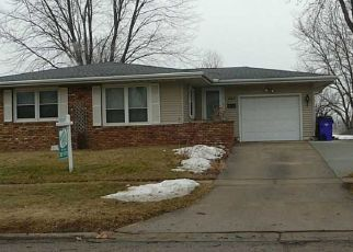 Pre Foreclosure in Cedar Rapids 52405 1ST AVE NW - Property ID: 1533337492