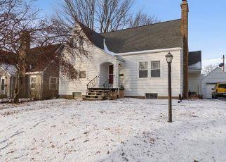 Pre Foreclosure in Cedar Rapids 52403 MEADOWBROOK DR SE - Property ID: 1533406247