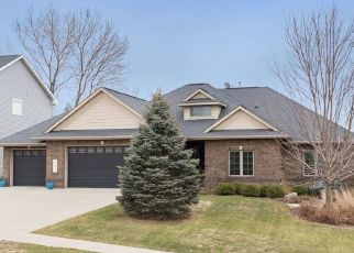 Pre Foreclosure in Coralville 52241 OLLINGER DR - Property ID: 1533442154