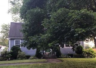 Pre Foreclosure in Groveland 01834 PARKER RD - Property ID: 1533572238
