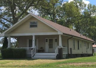 Pre Foreclosure in Gillespie 62033 E ELM ST - Property ID: 1533696180