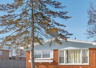 Pre Foreclosure in Chicago Heights 60411 BRENTWOOD DR - Property ID: 1533715461