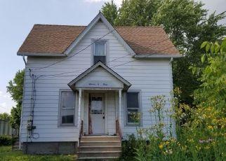Pre Foreclosure in Dekalb 60115 OAK ST - Property ID: 1533744817