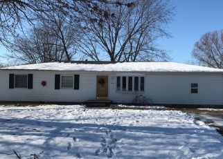 Pre Foreclosure in Pana 62557 MCKINLEY ST - Property ID: 1533802616