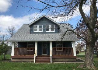 Pre Foreclosure in Cincinnati 45251 CREST RD - Property ID: 1534033878