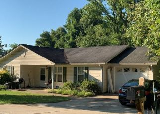 Pre Foreclosure in Greenville 29609 STADIUM DR - Property ID: 1534082935