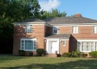 Pre Foreclosure in Cleveland 44112 MOUNT VERNON BLVD - Property ID: 1534957557