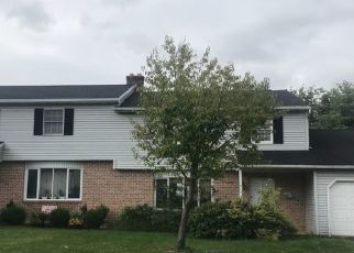Pre Foreclosure in Reading 19608 TIMBER LN - Property ID: 1535940818