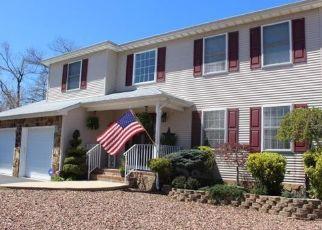 Pre Foreclosure in Beachwood 08722 SEAMAN AVE - Property ID: 1535973213
