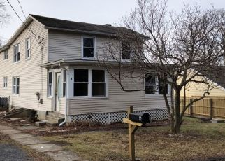 Pre Foreclosure in Hyde Park 12538 CURRY LN - Property ID: 1536619218