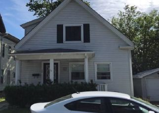 Pre Foreclosure in Whitman 02382 DAY ST - Property ID: 1537093105