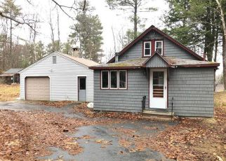 Pre Foreclosure in Raymond 04071 MEADOW RD - Property ID: 1537323487