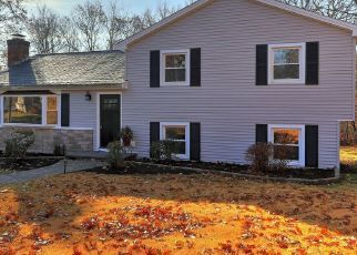 Pre Foreclosure in Trumbull 06611 SUNNYCREST RD - Property ID: 1537993145