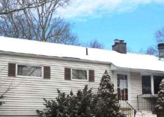 Pre Foreclosure in East Haven 06512 BRADLEY ST - Property ID: 1538495511