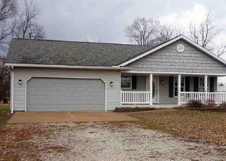 Pre Foreclosure in Glasford 61533 S WALNUT ST - Property ID: 1538633923