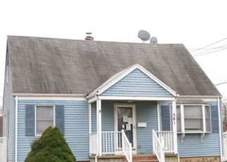Pre Foreclosure in Middlesex 08846 FAIRVIEW AVE - Property ID: 1538668508