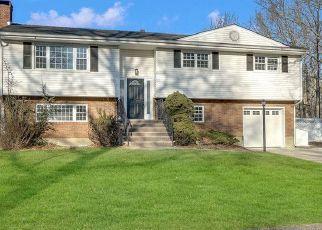 Pre Foreclosure in Asbury Park 07712 LYNN DR - Property ID: 1538701804