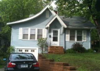 Pre Foreclosure in Saint Paul 55106 3RD ST E - Property ID: 1538932160
