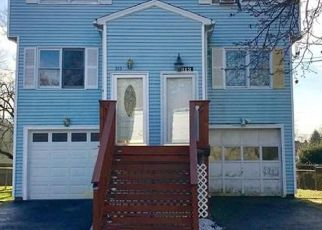 Pre Foreclosure in Stratford 06615 COLUMBUS AVE - Property ID: 1539121817