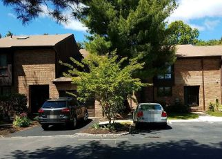 Pre Foreclosure in North Brunswick 08902 WILLOWBROOK DR - Property ID: 1539203721