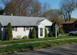 Pre Foreclosure in Stratford 06614 BAYBERRY LN - Property ID: 1539309708
