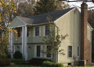 Pre Foreclosure in Holmdel 07733 APPLE GROVE DR - Property ID: 1539785790