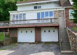 Pre Foreclosure in Mount Wolf 17347 2ND ST - Property ID: 1539887386