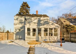 Pre Foreclosure in Milwaukee 53216 N 53RD ST - Property ID: 1539954850