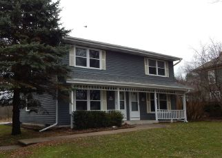 Pre Foreclosure in Sussex 53089 SILVER SPRING DR - Property ID: 1540004324