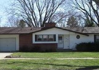 Pre Foreclosure in Beloit 53511 SUN VALLEY DR - Property ID: 1540108569