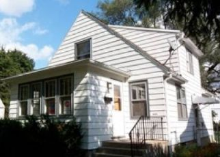 Pre Foreclosure in Madison 53704 LOFTSGORDON AVE - Property ID: 1540123912