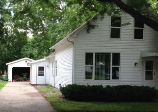 Pre Foreclosure in Green Bay 54303 DIVISION ST - Property ID: 1540127848