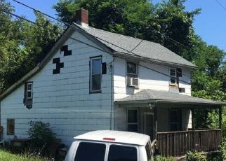 Pre Foreclosure in Irwin 15642 CIRCLE DR - Property ID: 1540222436