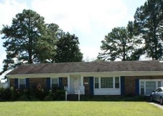 Pre Foreclosure in Chesapeake 23321 RIVER OAKS DR - Property ID: 1540835608