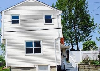 Pre Foreclosure in Haverhill 01830 MULBERRY ST - Property ID: 1541105396