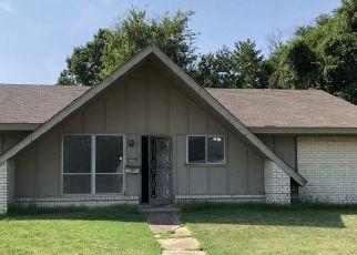 Pre Foreclosure in Tulsa 74145 E 38TH ST - Property ID: 1541338399