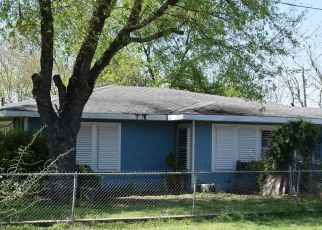 Pre Foreclosure in Marion 78124 N CENTER ST - Property ID: 1541511393