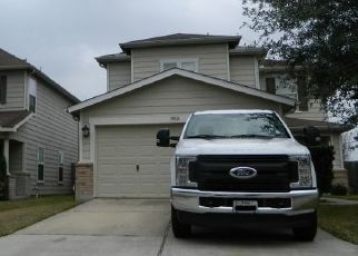 Pre Foreclosure in Tomball 77375 BOLD RIVER RD - Property ID: 1541608186